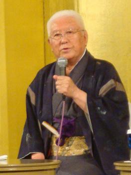 ●君塚 啓行 氏<br />京都市生まれ。父は永平寺の僧侶。特に日本や世界の王朝料理に関する優れた見識をもち王朝料理の再現や食事作法などの講演会を行っておられます。<br />