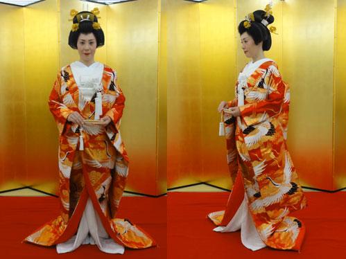 このたび、花嫁のモデルになっていただいたのは、川口校、大学生の大杉実加さんです。