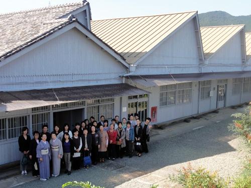 ・記念写真 桐生研修の記念に、各校ごとに記念の一枚。※大宮校