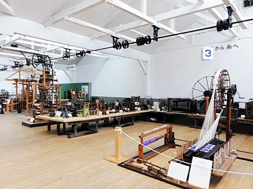 ・織物博物館 桐生織の文化を担う、貴重な資料や古器具・古織機。