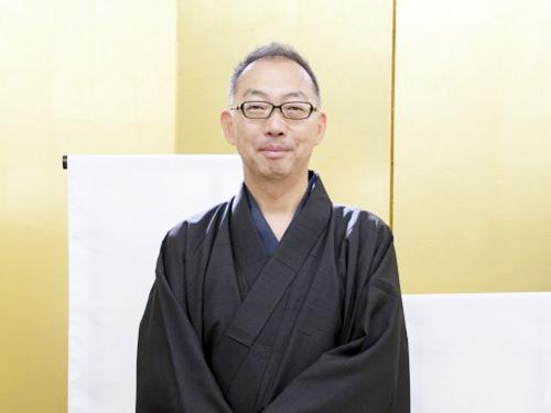 ・泉 太郎さん(伝統工芸士) 織物と絞り染めの二つの技法の伝統工芸士です。