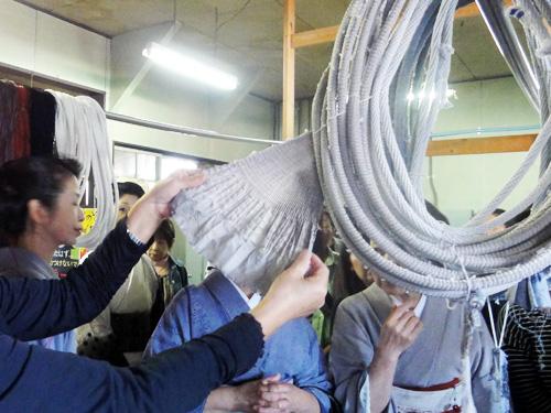・製織工場 織りと絞りの歴史、技術を直接見て触れて体感。