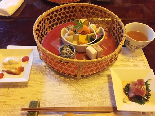 伝統と季節の彩を感じるお食事に舌鼓。